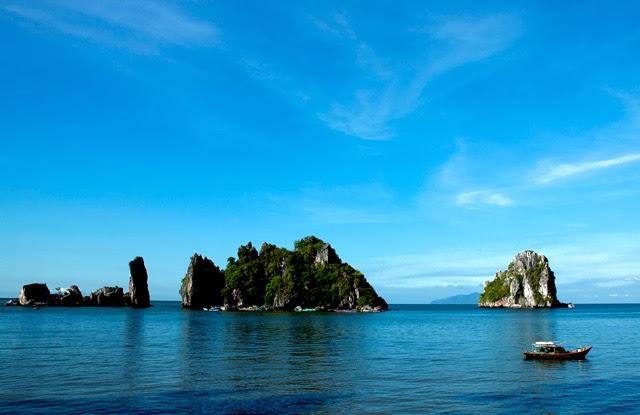 Ba Lua Island, Bà Lụa island
