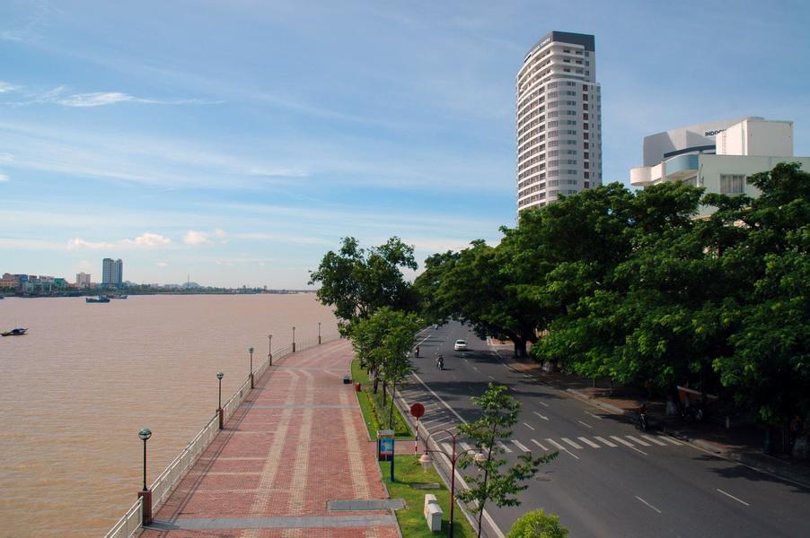 Da Nang city – Bach Dang Street