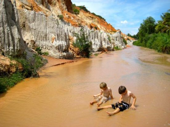 Visiting Fairy Stream ( Suoi Tien)